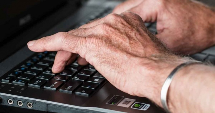 ra arthritis hands on a keyboard, side effects of ra meds are deadly